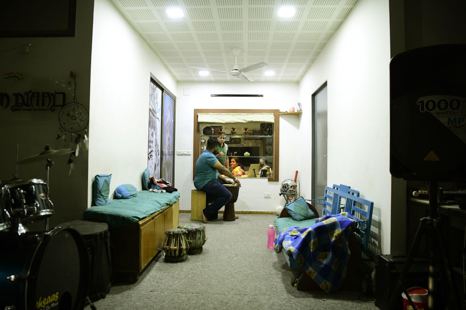 Quarantine, Parth speaking with parents