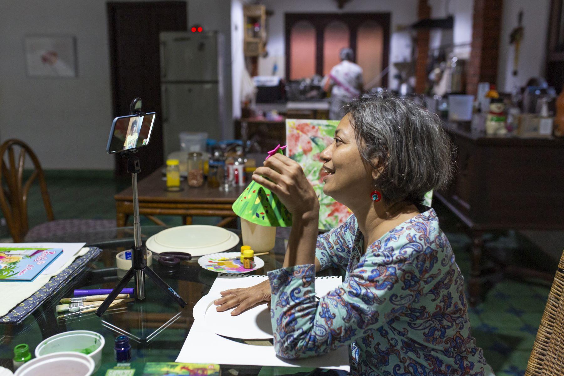 An art class for Rishi with Mala Chinnappa